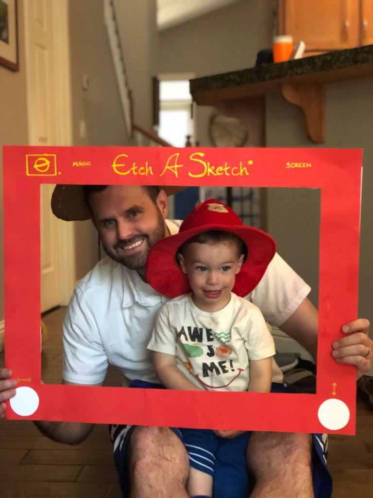 Learn How to Make a Toy Story Etch A Sketch Photo Frame, a perfect photo prop for your Toy Story Party. #toystoryparty #toystory